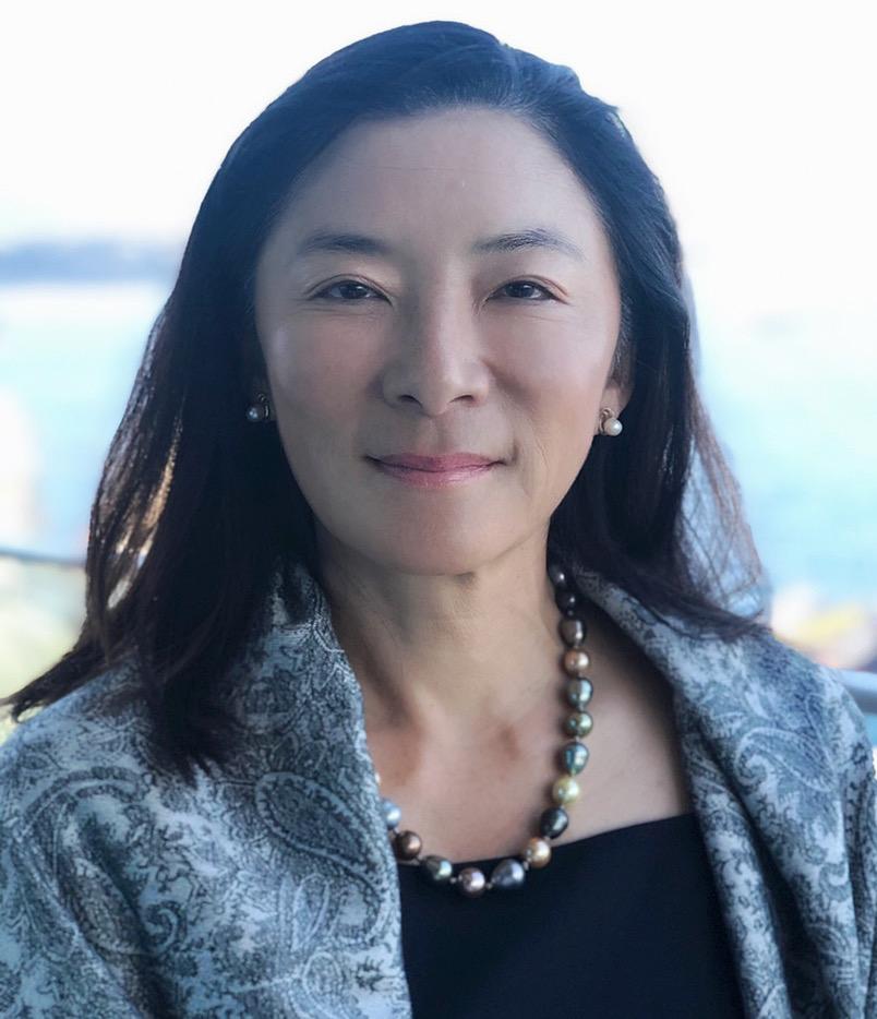 Joanna Lau Headshot